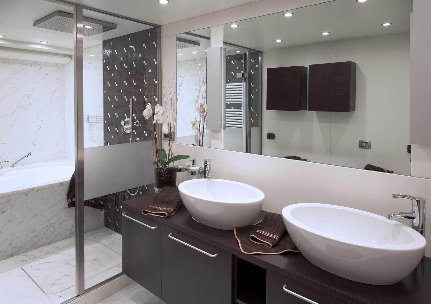 bagno in marmo Tobacco Brown e Statuario Venato - 1