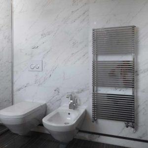 bagno in marmo Tobacco Brown e Statuario Venato - 6