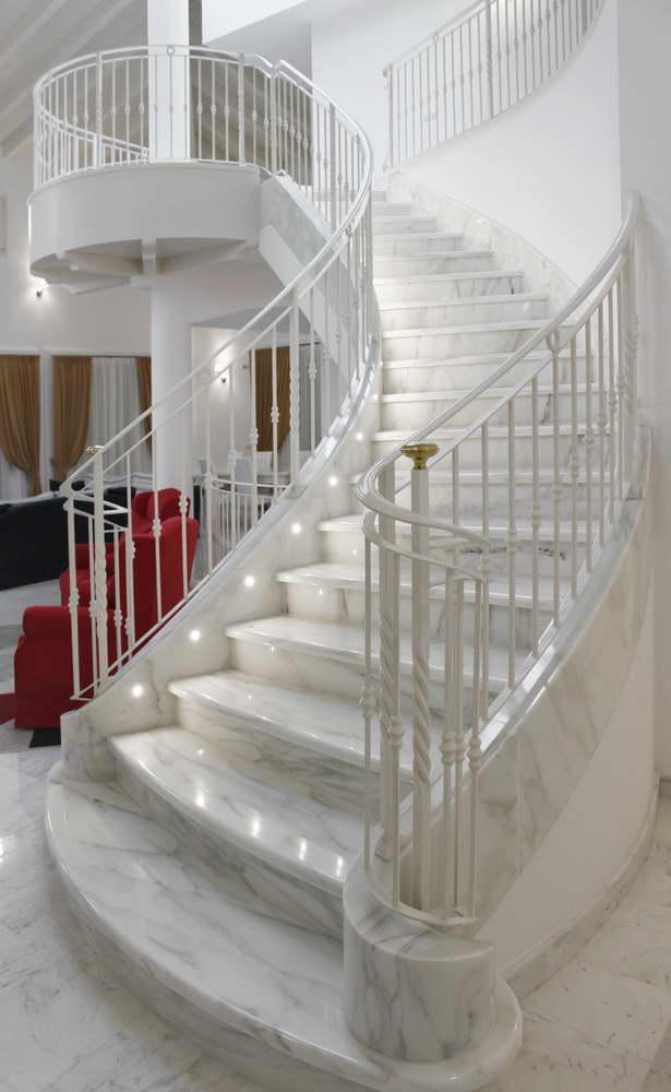 Scala in marmo bianco jw78 pineglen - Scale interne in marmo ...