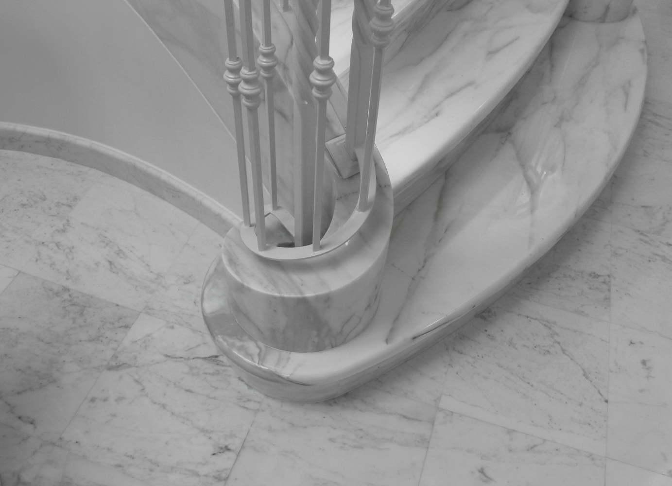 Preferenza Progettazione e Realizzazione Scala in Marmo Bianco in Villa a  YJ32